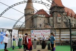 Megkezdõdtek a 7. Hunyad Megyei Magyar Napok